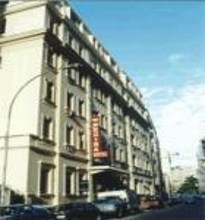 Hotel Regina: Hotel entrance