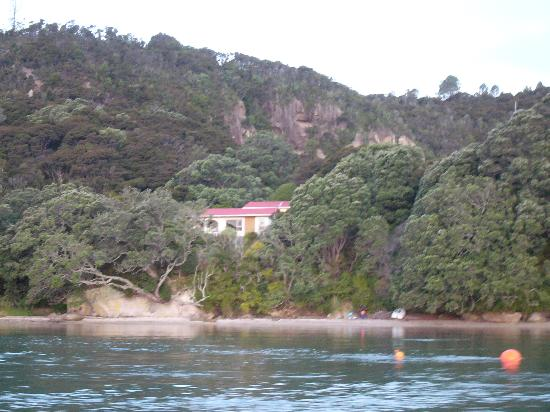 Ferry Landing Lodge: The house