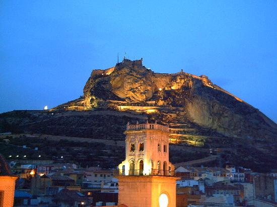 Eurostars Mediterranea Plaza Alicante: view from our hotel