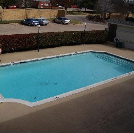 Super 8 by the Galleria / North Dallas: pool