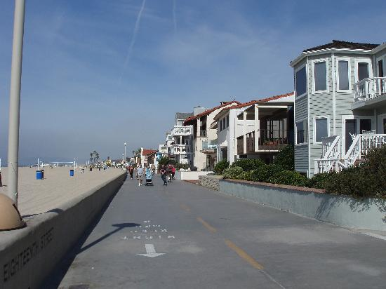The Strand between Hermosa and Manhattan Beach