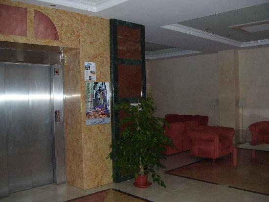 Andalucia Hotel: Reception area and lobby