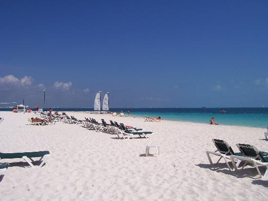Pictures of Hotel Riu Caribe - Cancun Photos