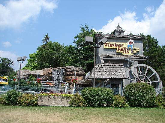 ‪Timber Falls Adventure Golf‬