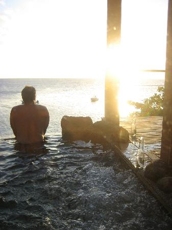 Royal Davui Island Resort: watching sunset from the bungalow plunge pool