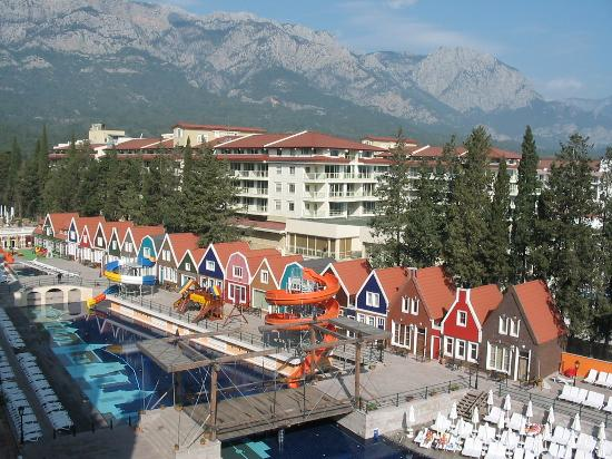 Orange County Resort : vue des montagnes de la chambre