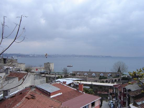 Poem Hotel Istanbul : The view from War and Lovers room