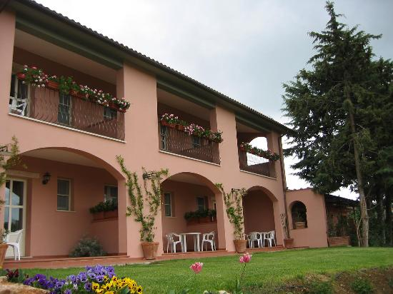 Hotel Il Melograno: Terraces