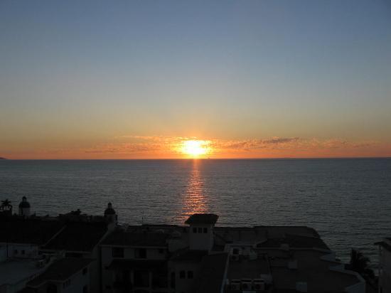 Brisas Del Mar: Sunset from my Balcony