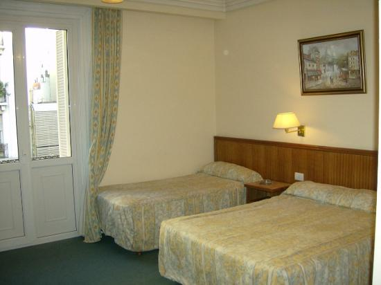 Nuevo Hotel Callao: beds