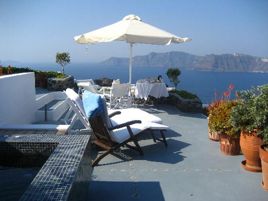 Ikies - Traditional Houses: Breakfast on the terrace every day.