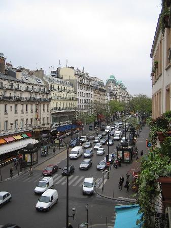 boulevard montmartre from hotel window picture of tryp paris opera hotel paris tripadvisor. Black Bedroom Furniture Sets. Home Design Ideas