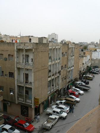 Al-Kendi Hotel: Street below