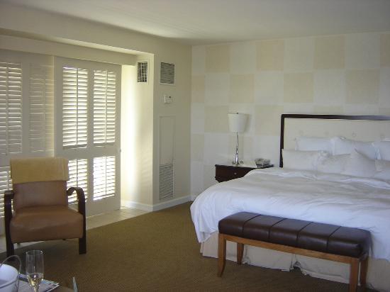 Renaissance Esmeralda Resort & Spa, Indian Wells: bed in room