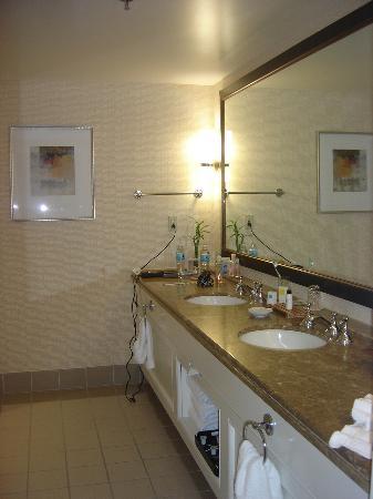Renaissance Esmeralda Resort & Spa, Indian Wells: big bath