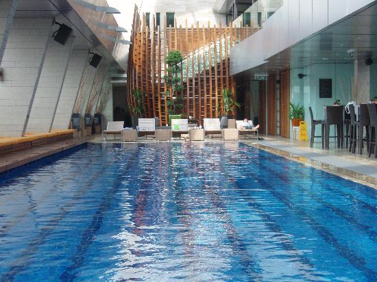 Picture of traders hotel - Rooftop swimming pool kuala lumpur ...