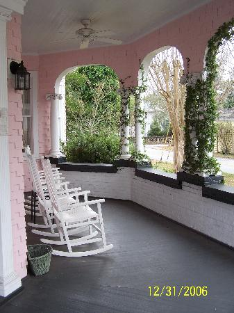 North Street Inn Bed & Breakfast: Front Porch