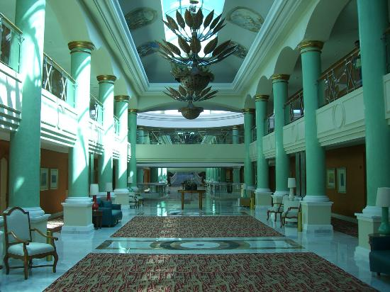 Iberostar Grand Hotel Paraiso: one of the lobby areas