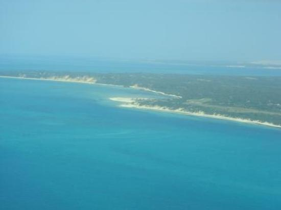 andBeyond Benguerra Island: This is beuty island Benguerra from petrol fly Plane