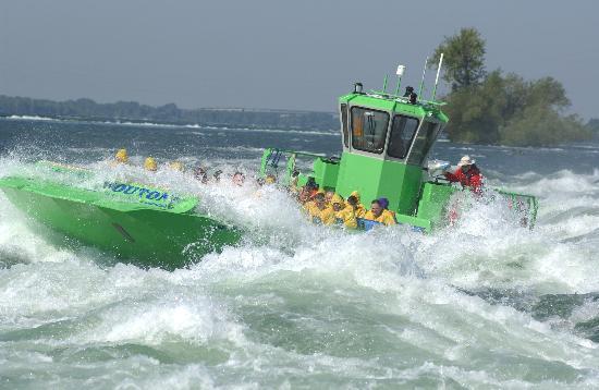 Saute-Moutons Jet Boating Photo