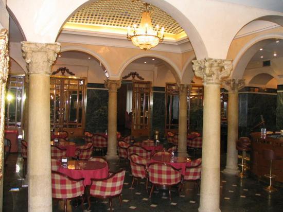 Hotel Zenit Imperial: Breakfast area - great coffee