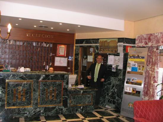 Hotel Zenit Imperial: Roberto - the gem of the Zenit