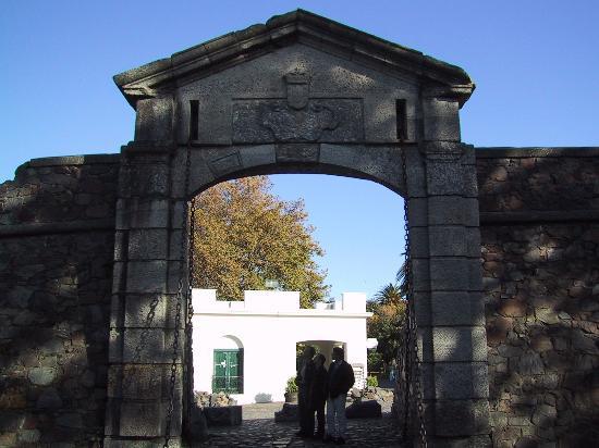 بوابة القلعة