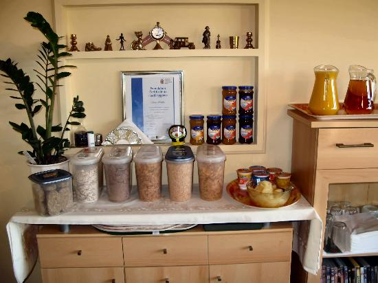 Allen's Bed & Breakfast: Cereals and the Foundation Certificate in Food Hygiene