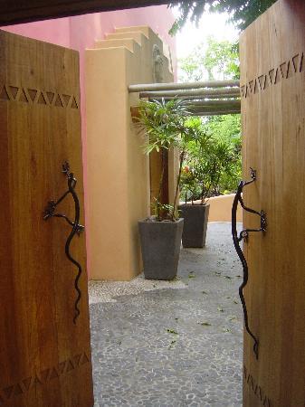 Vatulele Island, Fiji: Entrance to the Grand Honeymoon Bure (Vale Viqi)