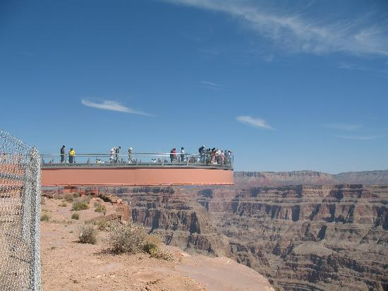 Hualapai Reservation, AZ: picture of skywalk