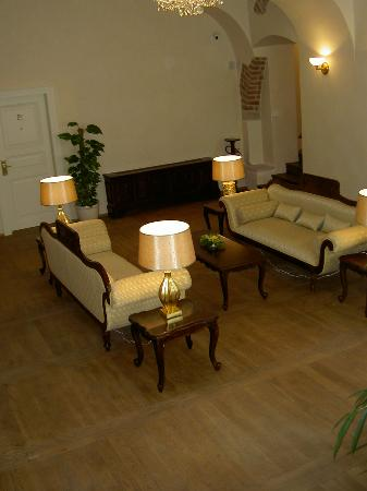 Dominican Hotel: 2nd Floor Seating Area