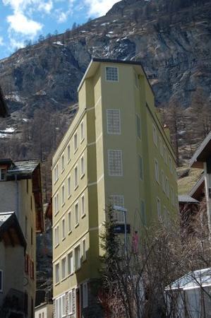 Le Petit CHARME-INN: Le Petit Hotel Zermatt