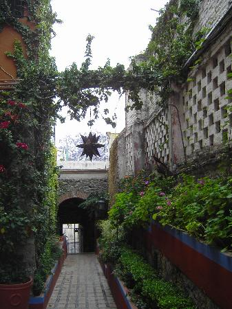 Hacienda de Las Flores: entrance