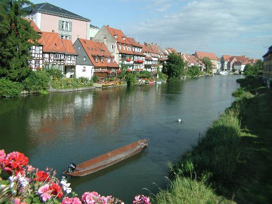Bamberg, Alemanha: a view of one of the rivers