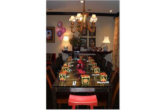 Hotel ZaZa Dallas: the dining room of the suite