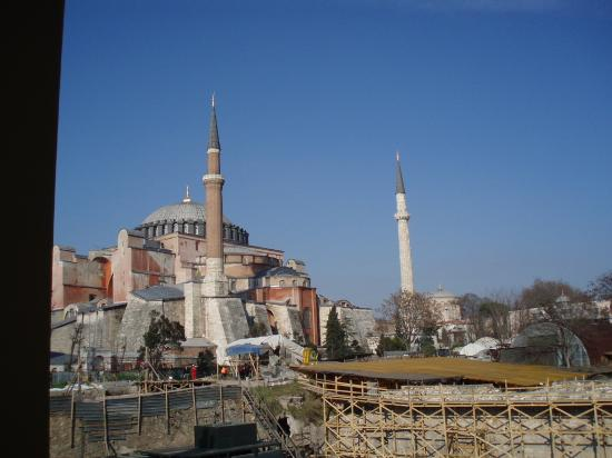 Four Seasons Hotel Istanbul at Sultanahmet: View from the window