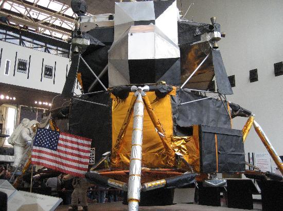 Apollo 11 Lunar landing module - Picture of Smithsonian ...