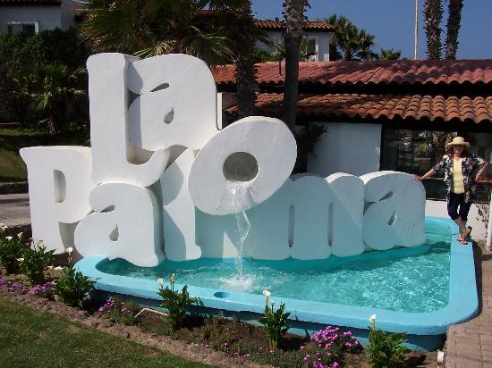 La Paloma: Front of Resort
