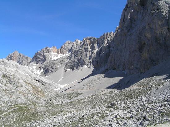 Picos de Europa Mountains: Picos de Europa right out of the Fuente De Parador
