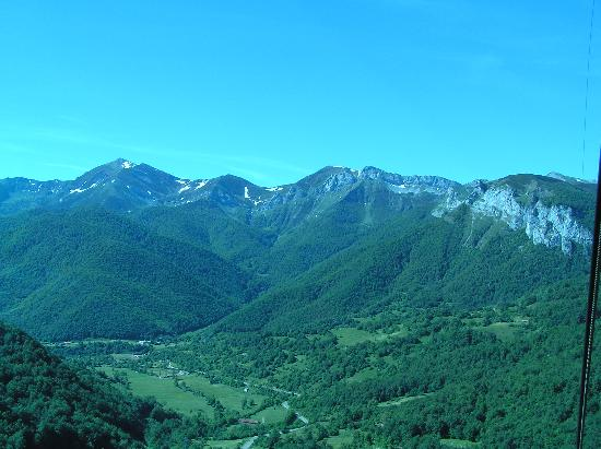 Picos de Europa: View of Picos and Valleys from Cable Car