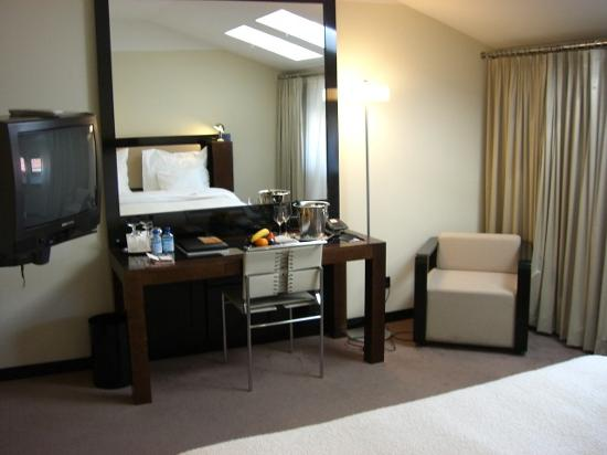Maximilian Hotel: our bedroom