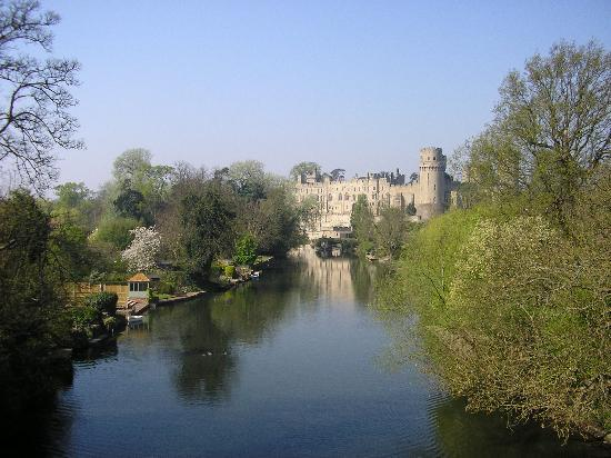 Warwick, UK: Along the river towards the castle