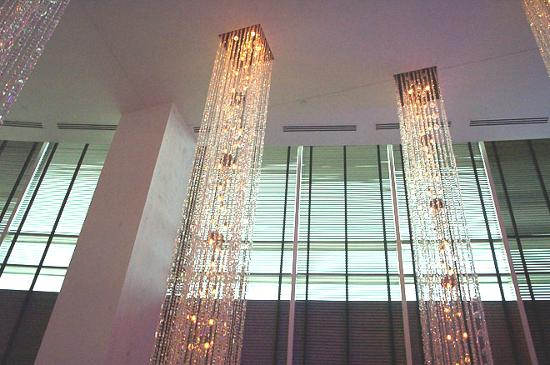 W Dallas Victory Hotel: Chandeliers In The Living Room (lobby Bar) Part 36