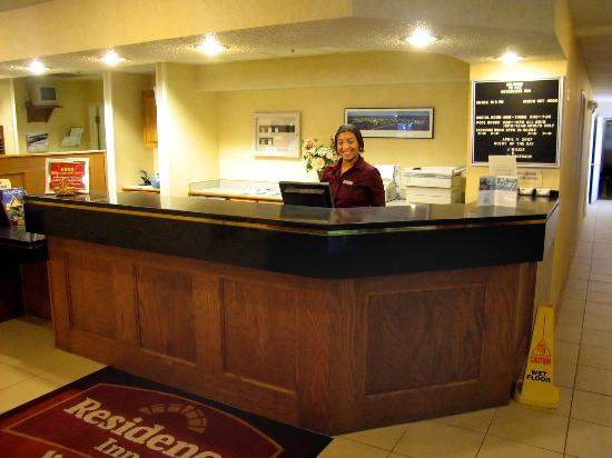Residence Inn Madison East: Very friendly and helpful reception desk associate