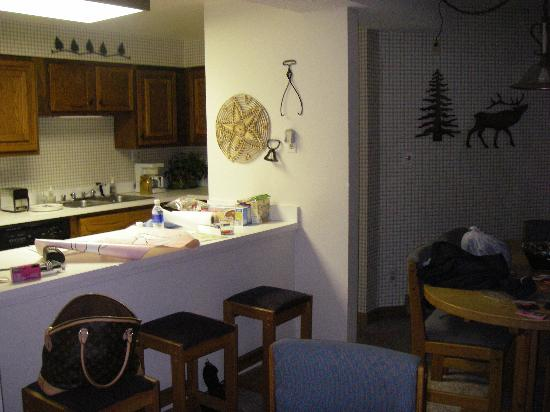 Powderhorn Condominiums: Kitchen and dining area.