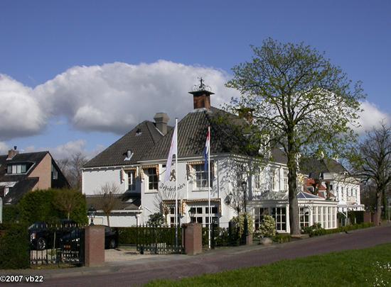 De Nederlanden: View of the hotel from the street