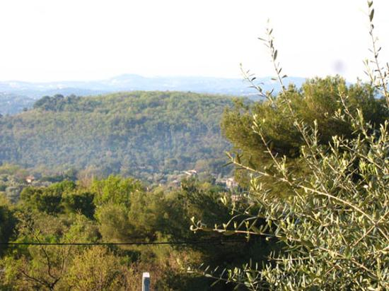 Tourrettes-sur-Loup, France: view - mountains