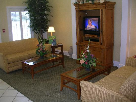 Country Inn & Suite Birmingham - Hoover: Lobby