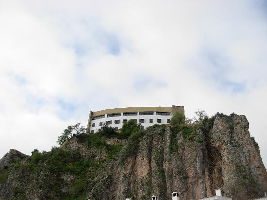 Hotel Arco de la Villa: view of hotel