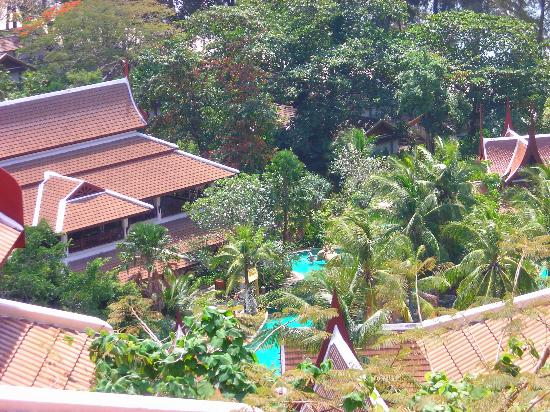 Thavorn Beach Village Resort & Spa: View from level 5 to the pool